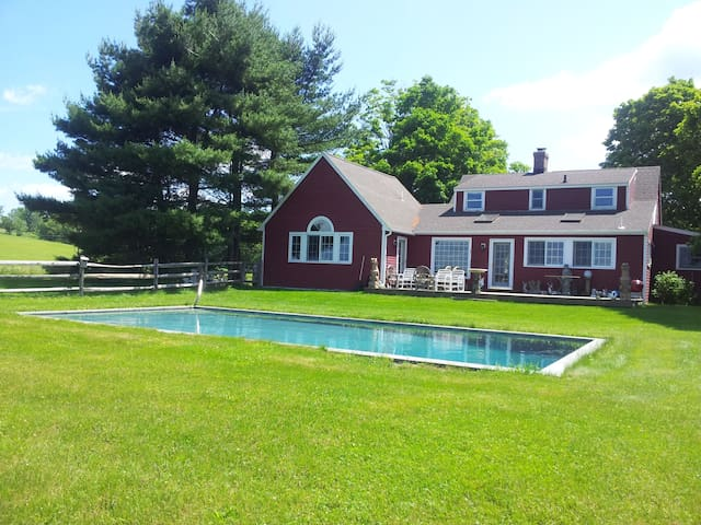 Cloud Cottage-4 Bedroom House - Litchfield - Ev