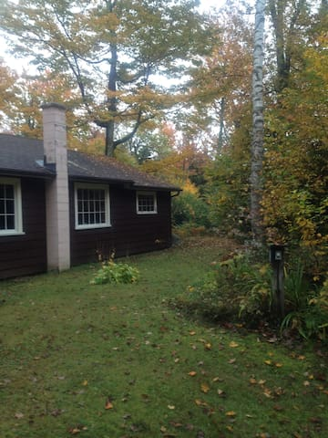 2 bedroom cabin in the Berkshires - Savoy - Maison