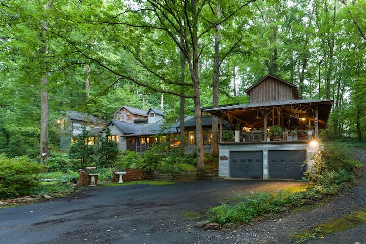 Outrageous! Cabin(?) in the woods - Winston-Salem - Ev