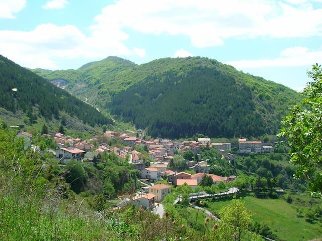 Apartment in the Park of Abruzzo - San Sebastiano - Departamento