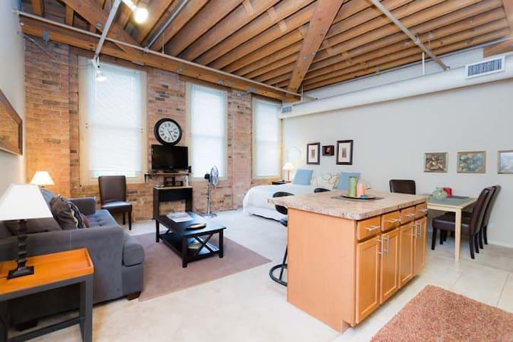 Luxury Loft Studio/Old Town :410 - Chicago - Loft