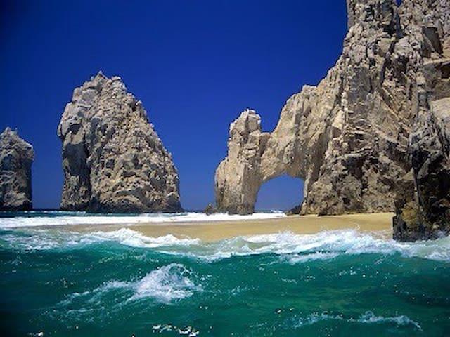 New 2 br/2 bath luxury condo near Medano beach! - Cabo San lucas - Apartemen