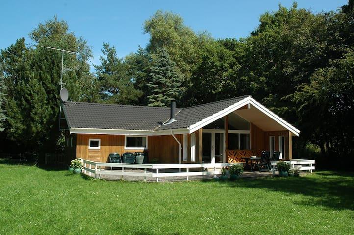 Beautiful summer cottage near beach - Vig - Cabaña