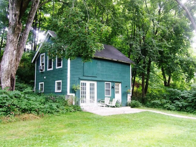 Newly Converted Barn Walk to Beach! - Lakeville
