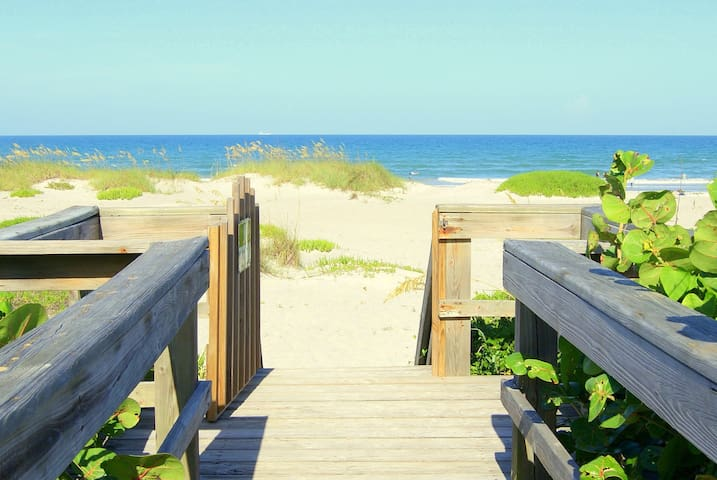 Oceanfront Condo in Cocoa Beach - Cocoa Beach - Departamento