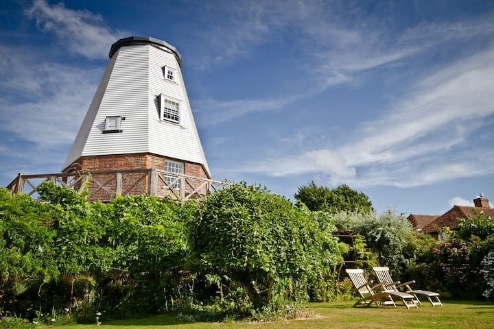 Old Smock Windmill in rural Kent - Benenden - Diğer