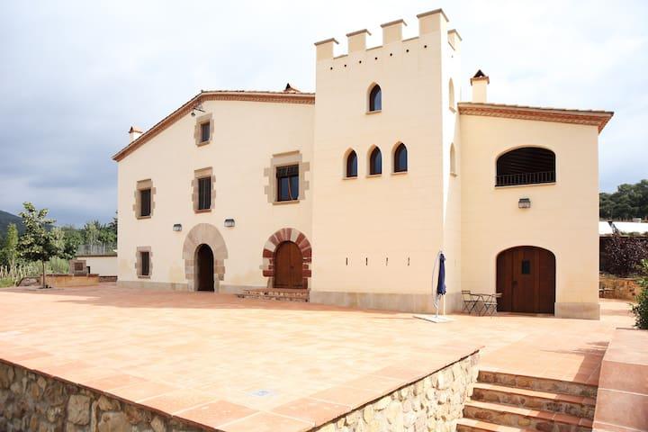 Habitación en Masía SXII BarcelonaB - Caldes de Montbui - Villa