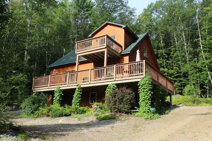 Log Home in Fish Cove Meredith, NH - Meredith - Дом