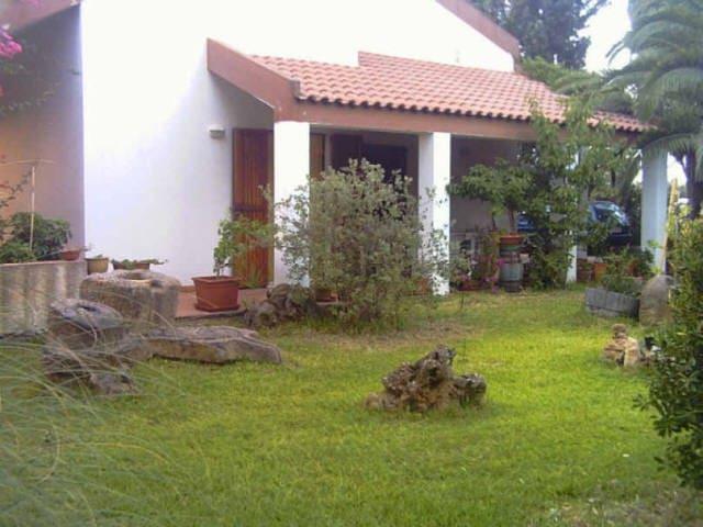 splendida Villa Bifamiliare immersa nel verde - Giba - Vila