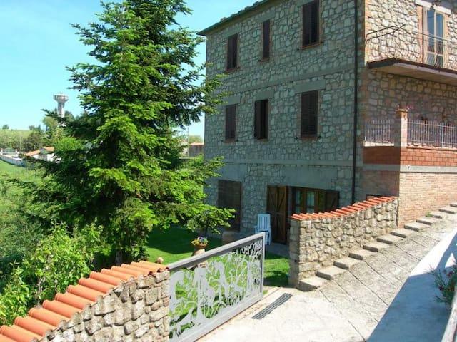 Large apartment, spectacular view! - Roccastrada - Casa