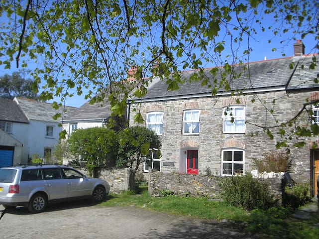 Tregoodwell Cottage, North Cornwall - Camelford - Casa