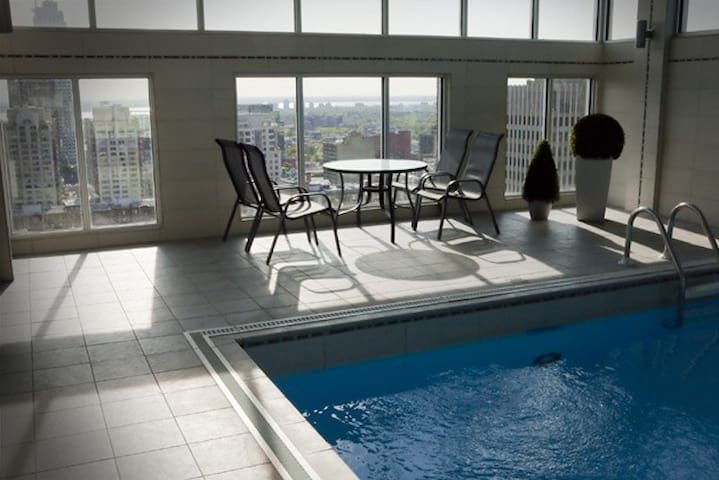Luxury Apartment Downtown with Pool - Montreal - Lägenhet