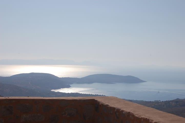 Stone House in Mani, with sea view - Gytheio