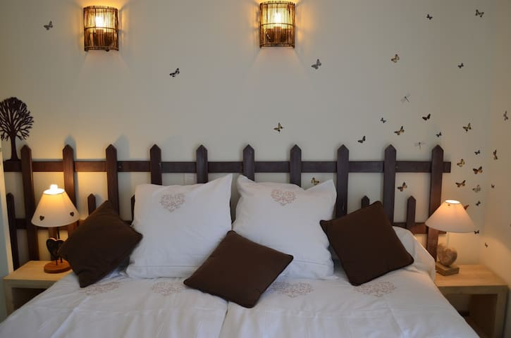 """Bed and breakfast """"Chocolatine"""" - Le Coudray - Bed & Breakfast"""