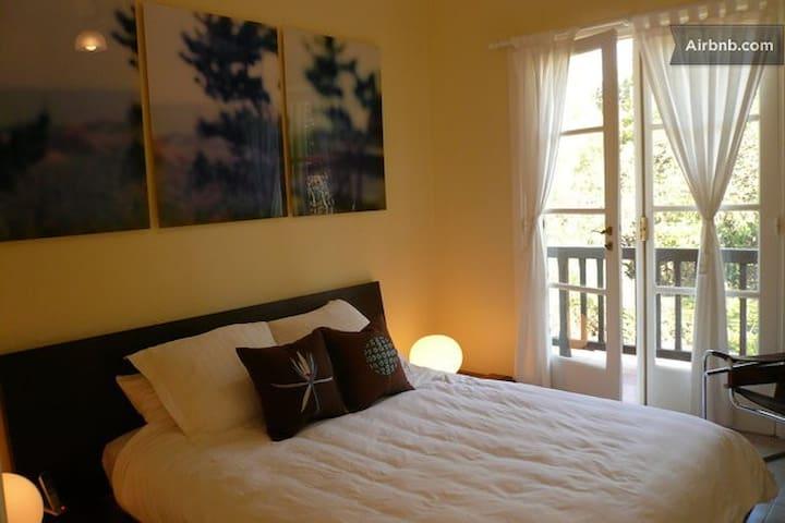 Double Bed in a room w/ balcony Sierras de Cordoba - Punilla Dept