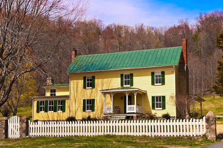Enchanted-Historic Shenandoah Farm  - Madison - Hus