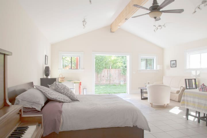 Charming Private Oceanview Cottage - Berkeley - Σπίτι