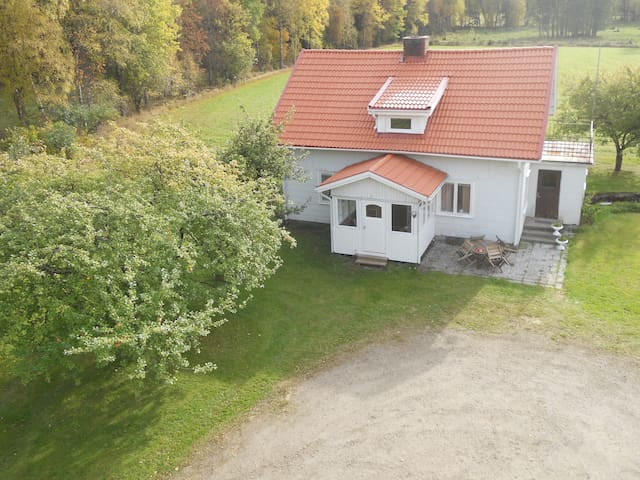 Country House for a Family, or friends - Dalstorp - Talo