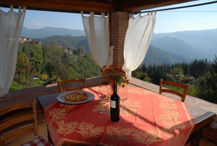 House in the mountains in relaxatio - Lugnano-Monti di Villa - Huis