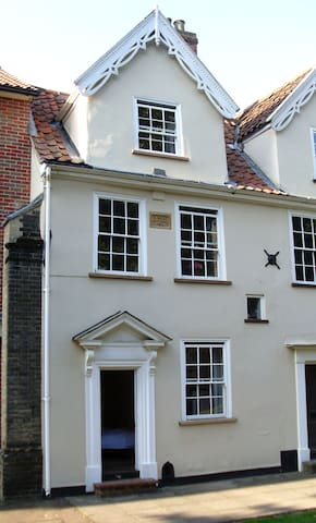 Very central Grade II listed House - Norwich - Casa