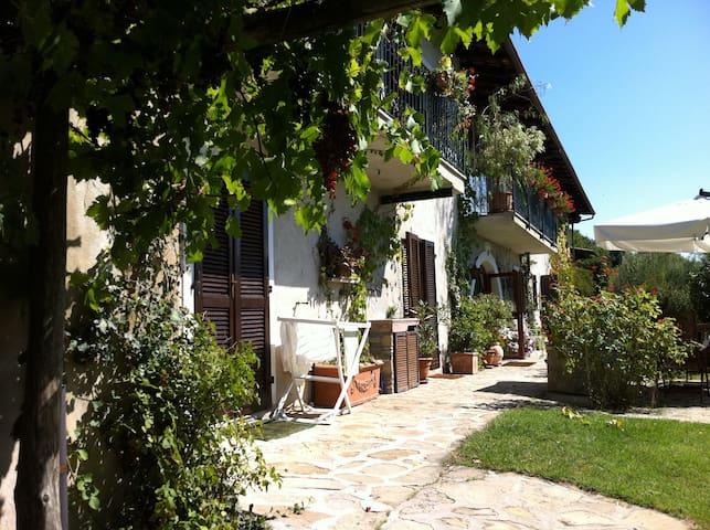 Charming Country Home On A Mountain - Castellino Tanaro - Maison