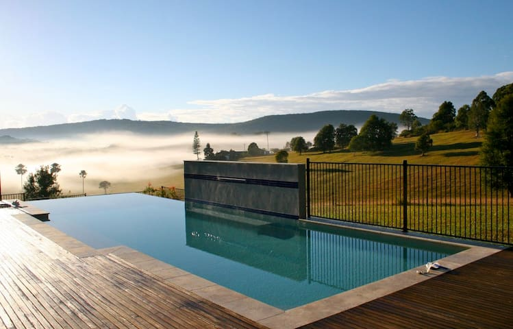 Valley of The Mists nr Blueys Beach 1/2 PRICE DEAL - Blueys Beach
