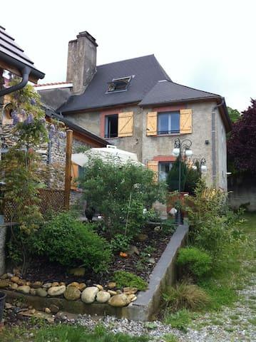 Belle maison dans les Pyrénées - Montgaillard - Hus