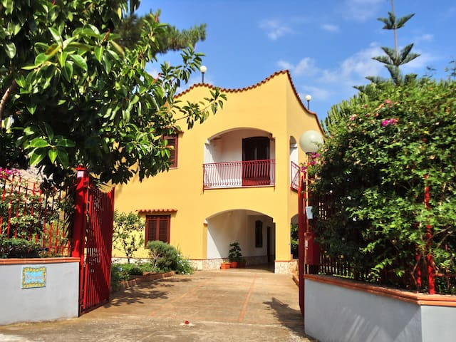 Appartamento in villa con giardino - Trabia - Apartmen