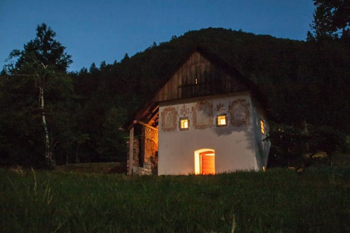 Peaceful Klavžar House - UNESCO Idrija - Vojsko - キャビン