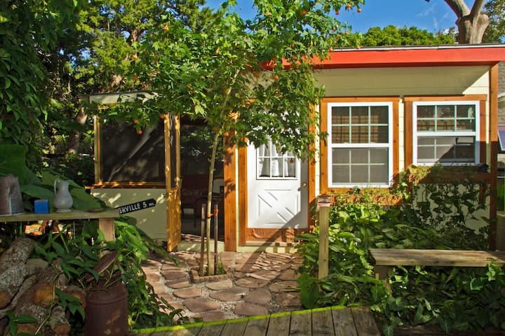 Cute Tropical Cottage - St. Augustine - Ev