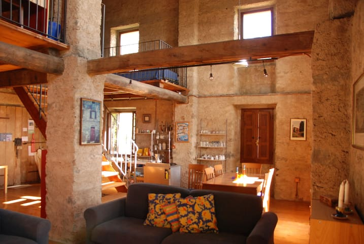 WONDERFUL CONVERTED BARN IL FIENILE - Caprignana - Apartament