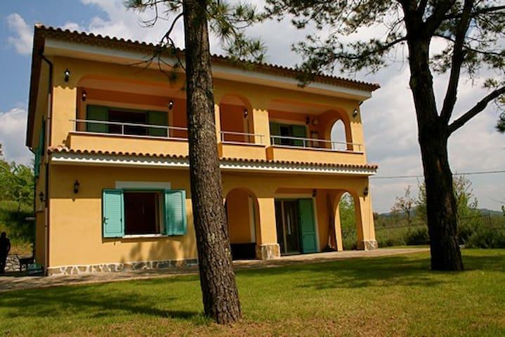 Accogliente villa vicino Palinuro - Centola - Huis