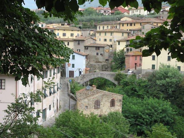 """""""La Stanza degli Ospiti"""" sleeps 2-5 - Loro Ciuffenna - Apartment"""