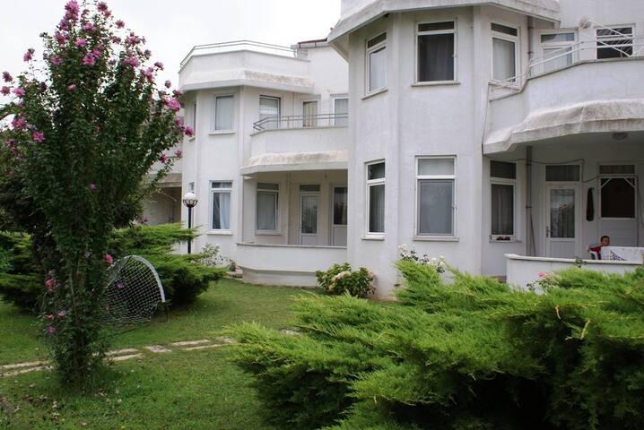Private Villa in Yalova with public pool ! - Osmangazi - Villa