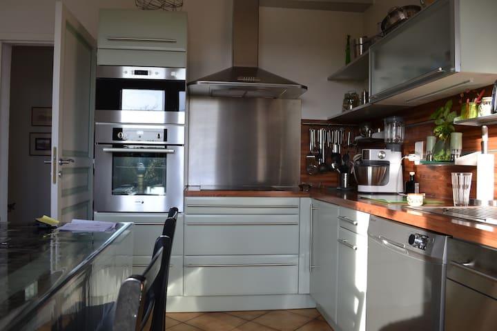 Chambres privées dans maison 300m2 - Montrabé - Hus
