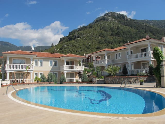 Great Holiday Apartment with Pool - Ölüdeniz - Appartement