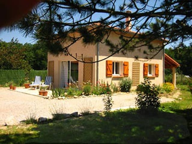 Lavaur gite for 4 in the Tarn. 3 star Clevacances - Ambres - Hus