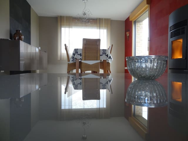 Private room close to Bergues - Crochte - Rumah