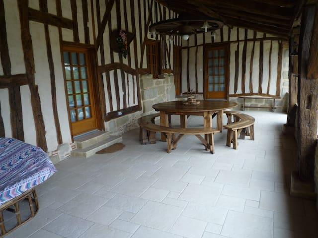 Loc maison de charme et traditions  - Tombebœuf - Hus