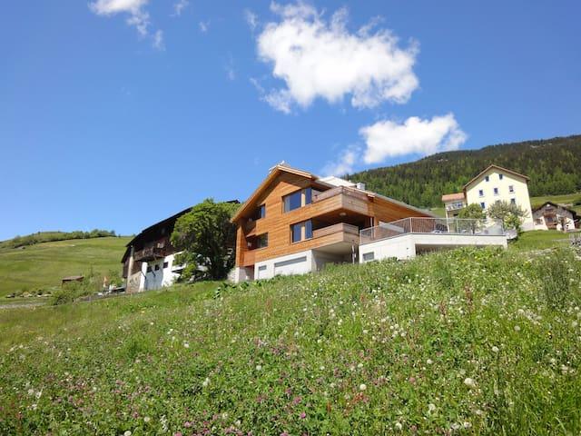 Beautiful place near Lenzerheide - Vaz/Obervaz - Daire