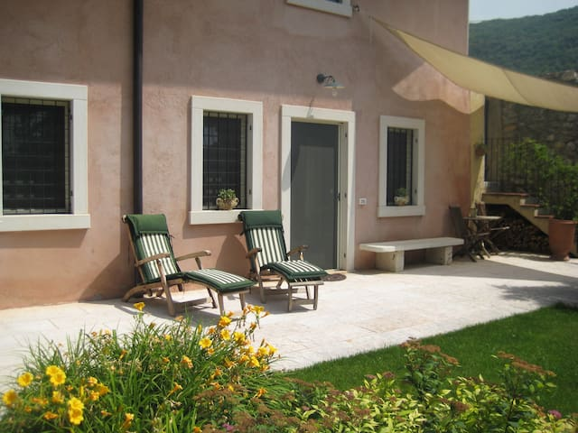 Idyllic country house near Verona - Mizzole - Casa