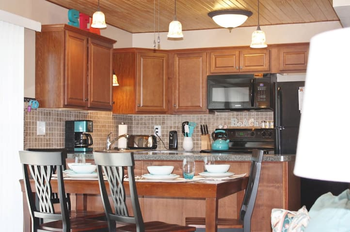 Destin Budget Vacation Condo Rental - Destin