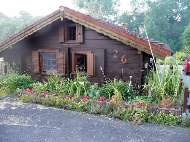 Blockbohlenhaus mit Garten am Elm - Räbke - Ev