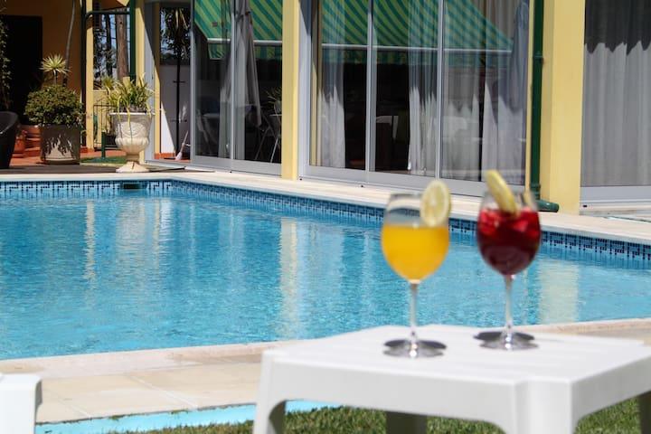 GuestHouse Pool&Sea Espinho Oporto - Anta - Huis