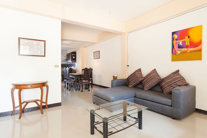 Private Town Home (Riverside area in town) - Chiang Mai - Huis