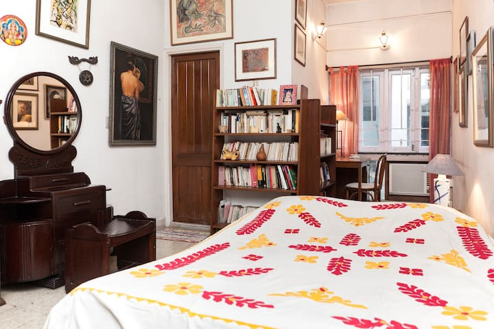 Independent room near the lakes - Kolkata - Appartement