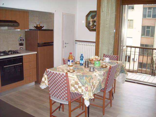 Lovely apartment near Venice with parking spot - Mestre - Leilighet