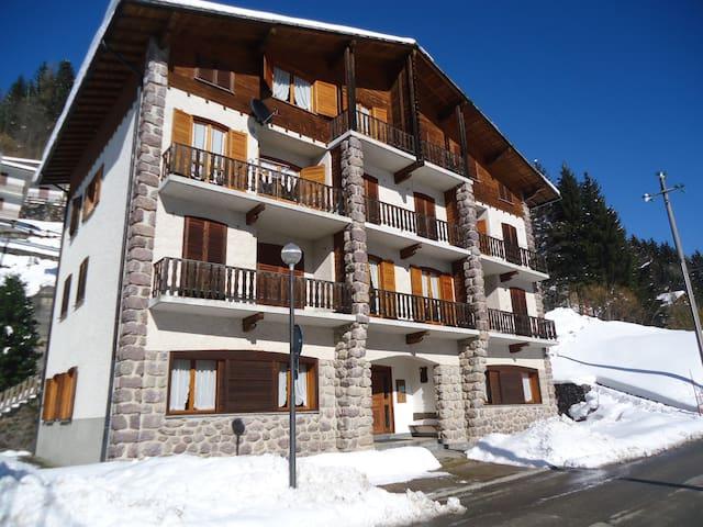 Appartamenti Val Brembana 8 posti - Roncobello