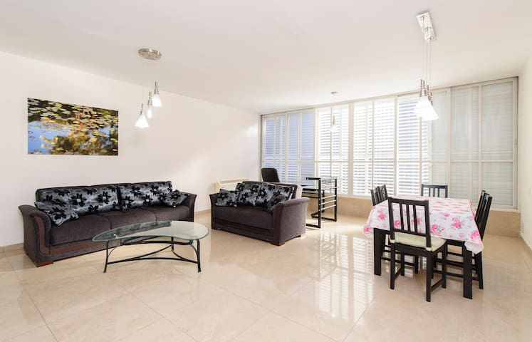 2BR spaceous fully furnished apt. - Ra'anana - Pis