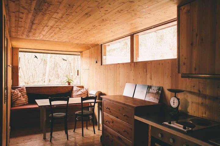 Cosy Wood Cabin in Innsbruck Woods - Innsbruck